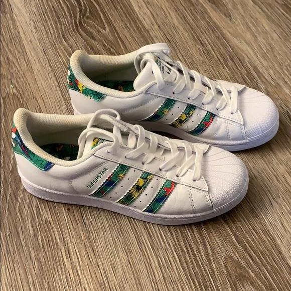 newest cd5ed dd0ef adidas Superstar shoes